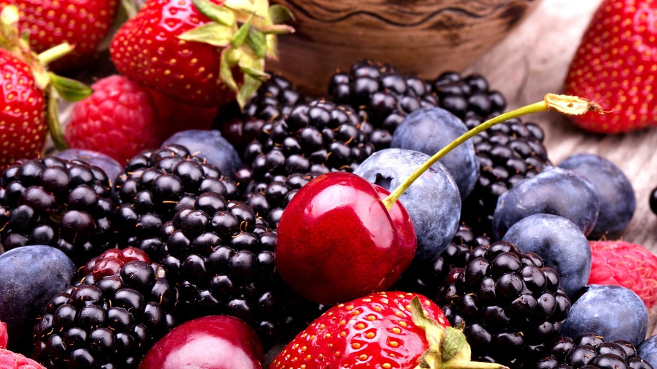 Picture of fresh cherrys, black berries, strawberries - corporate housing - lafayette louisiana